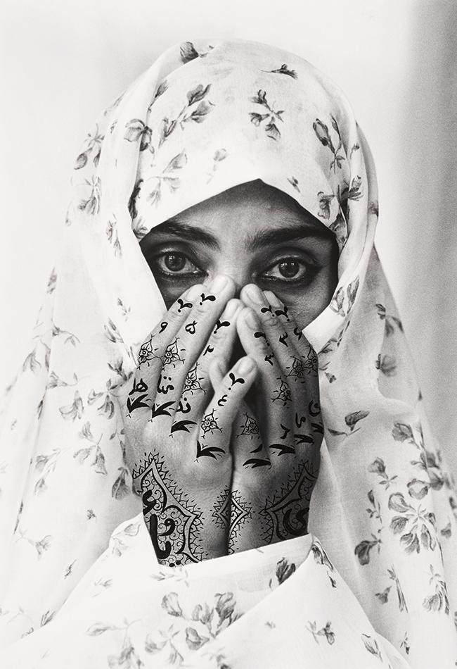 Shirin Neshat, Identified, 1995. LENTOS Kunstmuseum Linz