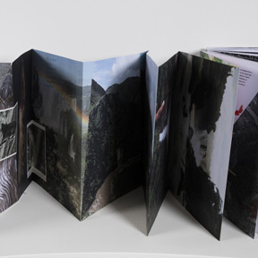"""Carolina Caycedo, Serpent River Book, 2017. Dom Museum Wien, Otto Mauer Contemporary. Carolina Caycedo, Ausstellungsansicht """"Fragile Schöpfung"""", Foto: L. Deinhardstein."""